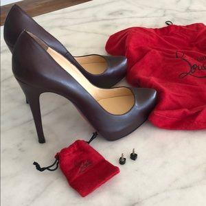 Louboutin classic leather heel size 39 1/2